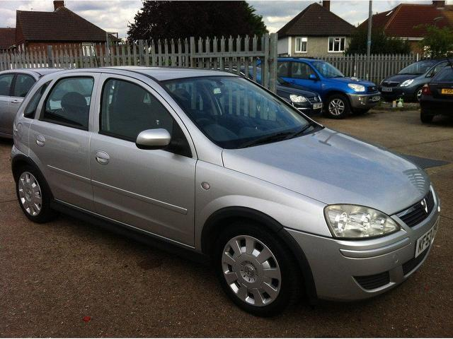 used vauxhall corsa 2004 petrol 1 2i 16v design 5dr hatchback silver rh autopazar co uk manual corsa c pdf manual corsa 2004 hatch