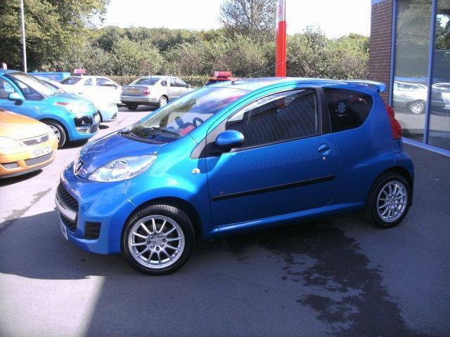 used peugeot 107 2009 blue colour petrol 1 0 urban 3 door. Black Bedroom Furniture Sets. Home Design Ideas