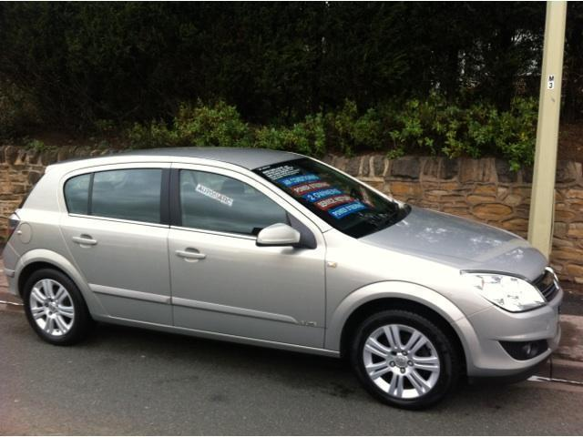 used vauxhall astra 2008 silver hatchback petrol automatic for sale