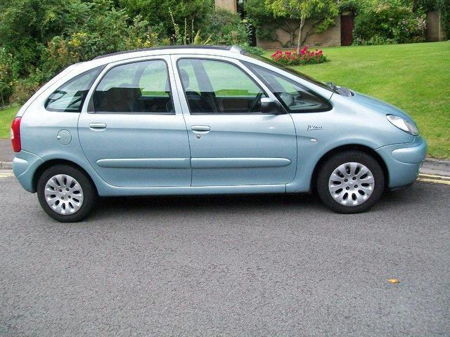 used green citroen xsara 2003 diesel picasso 2 0 hdi exclusive estate excellent condition for. Black Bedroom Furniture Sets. Home Design Ideas