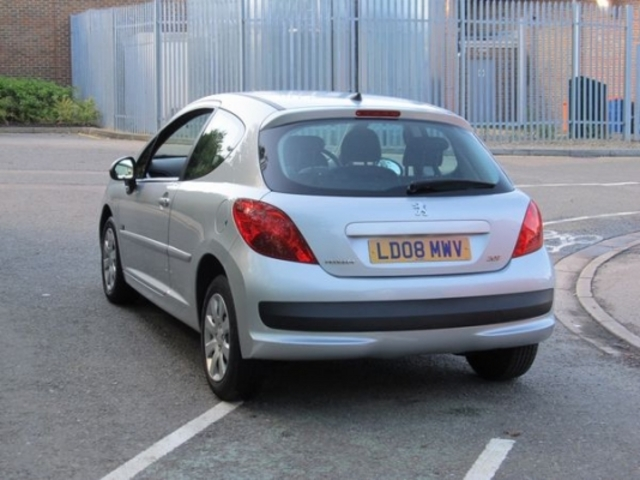 used peugeot 207 2008 petrol silver with central locking. Black Bedroom Furniture Sets. Home Design Ideas