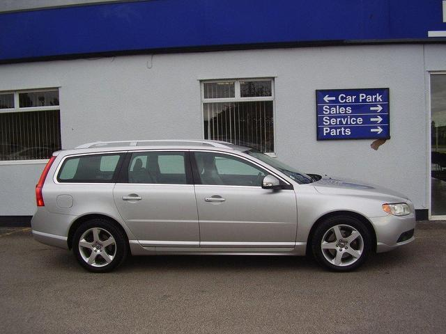 used volvo v70 2008 automatic diesel se lux 5 door. Black Bedroom Furniture Sets. Home Design Ideas