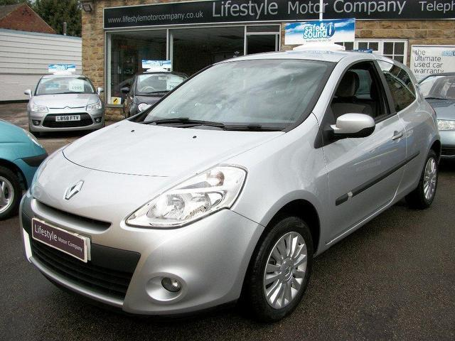Cars For Sale Under 6000 >> Used Renault Clio 2010 Manual Petrol 1.2 16v I-music 3 ...