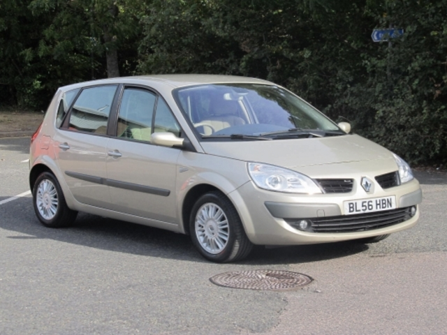 used renault scenic 2007 gold colour petrol for sale in epsom uk autopazar. Black Bedroom Furniture Sets. Home Design Ideas
