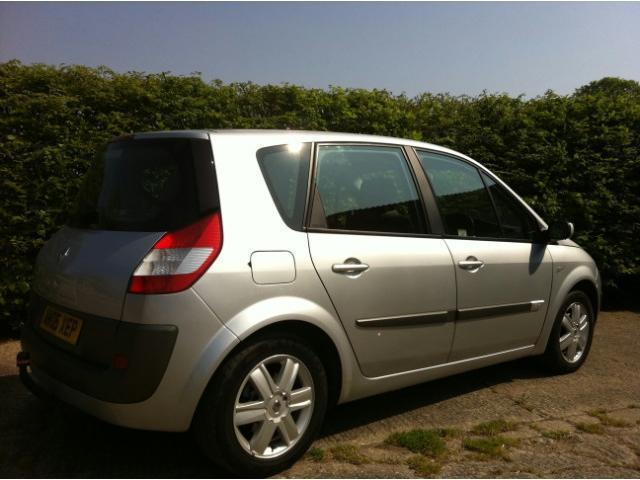 used renault scenic 2005 manual petrol 1 6 vvt dynamique 5 door silver for sale uk autopazar. Black Bedroom Furniture Sets. Home Design Ideas