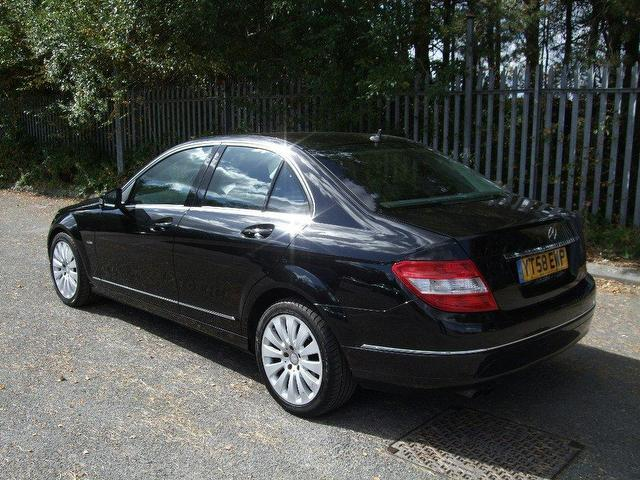 Used mercedes benz 2008 black colour diesel class c200 cdi for Mercedes benz c class 2008 for sale