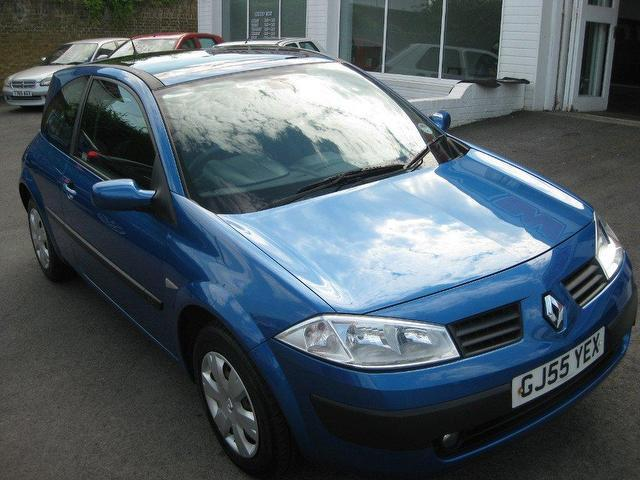 used 2005 renault megane hatchback blue edition 1 5 dci 86 oasis diesel for sale in. Black Bedroom Furniture Sets. Home Design Ideas
