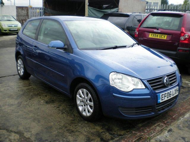 used volkswagen polo 2006 model 1 2 se 64 3dr petrol hatchback blue for sale in wembley uk. Black Bedroom Furniture Sets. Home Design Ideas