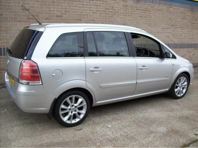 used 2007 vauxhall zafira estate 1 9 cdti design 150bhp. Black Bedroom Furniture Sets. Home Design Ideas