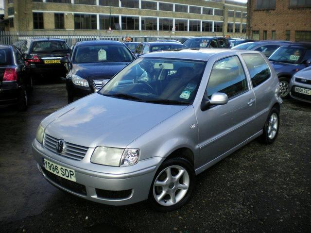 Used Volkswagen Polo 1.4 Match 3 Door Auto Hatchback Silver 2001 Petrol for Sale in UK
