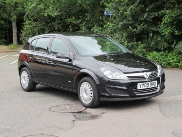 Used Cars Under 4000 >> Used Black Vauxhall Astra 2009 Petrol Excellent Condition For Sale - Autopazar