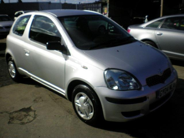 used 2004 toyota yaris hatchback silver edition 1 0 vvt i t2 3dr petrol for sale in wembley uk. Black Bedroom Furniture Sets. Home Design Ideas