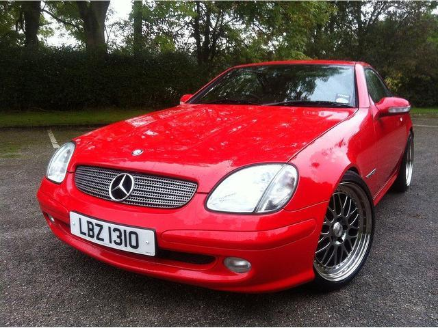 Used mercedes benz 2003 red paint petrol 200k 2dr 2 0 for Mercedes benz convertible used