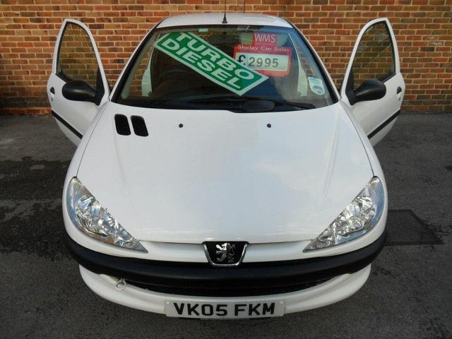 used peugeot 206 2005 white colour diesel 1398 cc 1 4 hdi for sale in southampton uk autopazar. Black Bedroom Furniture Sets. Home Design Ideas