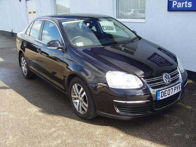 used volkswagen jetta 2007 diesel 1 9 se tdi pd saloon black edition for sale in wirral uk. Black Bedroom Furniture Sets. Home Design Ideas