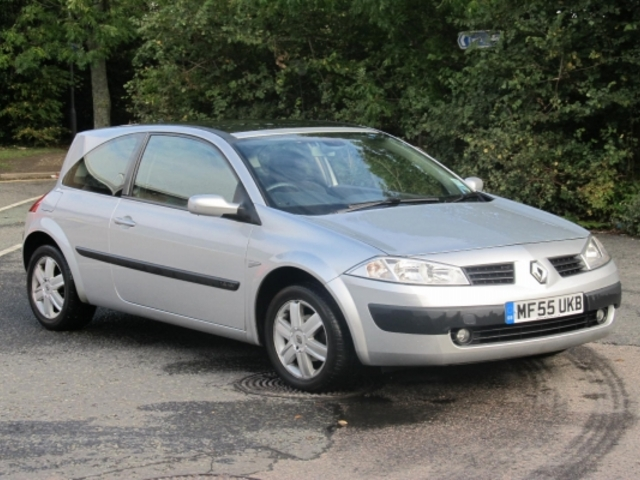 used 2005 renault megane silver edition petrol for sale in epsom uk autopazar. Black Bedroom Furniture Sets. Home Design Ideas