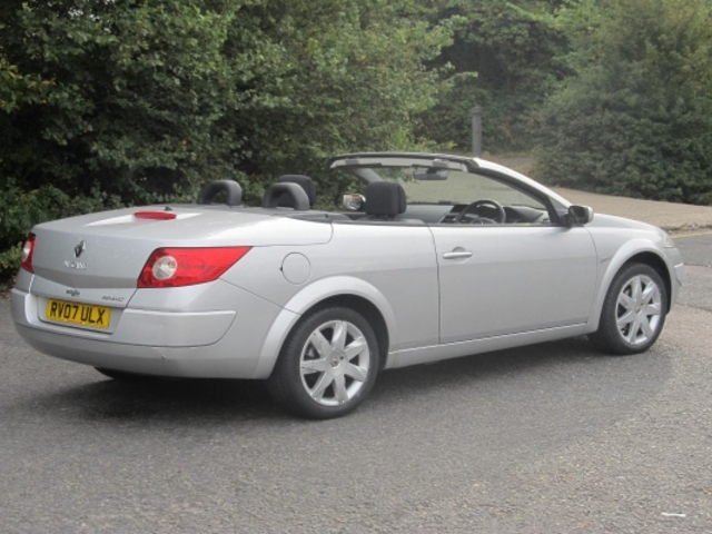 used renault megane 2007 silver paint petrol coupe cabriolet for sale in epsom uk autopazar. Black Bedroom Furniture Sets. Home Design Ideas