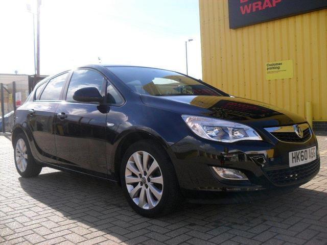 used vauxhall astra 2010 black colour petrol 16v. Black Bedroom Furniture Sets. Home Design Ideas