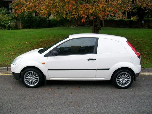 used ford fiesta car 2004 white diesel 1399 cc 1 4 tdci   for sale in