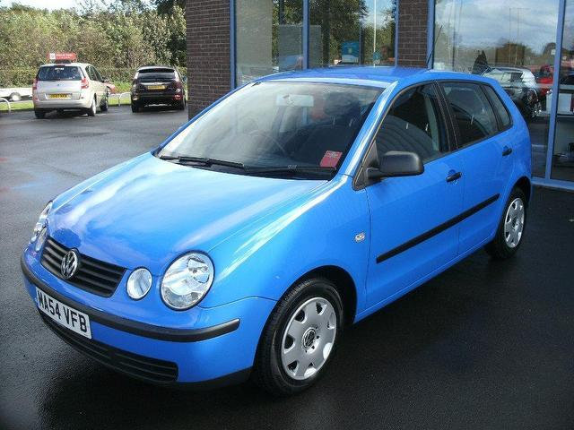 used volkswagen polo 2004 model 1 2 e 55 5dr petrol hatchback blue for sale in oswestry uk. Black Bedroom Furniture Sets. Home Design Ideas