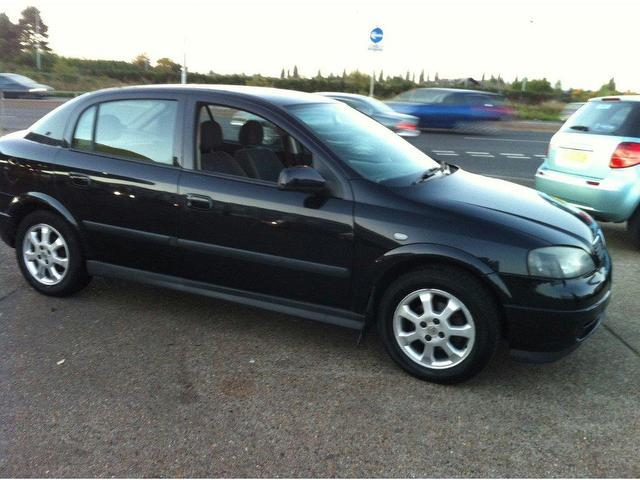 used 2003 vauxhall astra hatchback black edition active 5dr petrol for sale in ashford uk. Black Bedroom Furniture Sets. Home Design Ideas