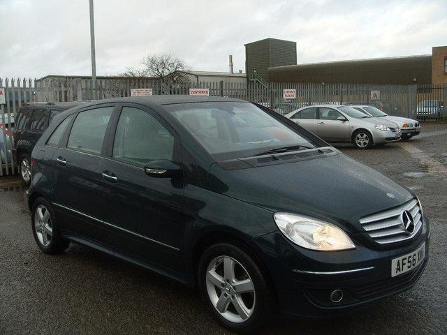 used mercedes benz 2006 diesel class b200 cdi se hatchback green with foglights for sale autopazar. Black Bedroom Furniture Sets. Home Design Ideas