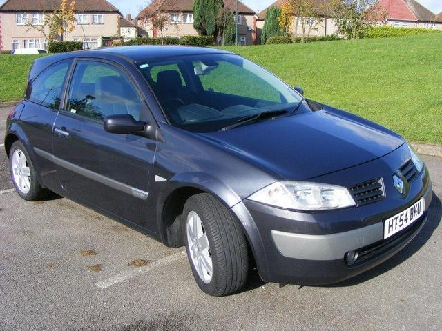 used 2005 renault megane hatchback grey edition 1 4 dynamique 3dr mot tax timing petrol for sale. Black Bedroom Furniture Sets. Home Design Ideas