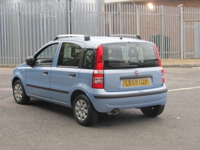 used 2009 fiat panda blue edition petrol for sale in epsom. Black Bedroom Furniture Sets. Home Design Ideas