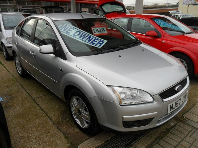 used ford focus 2007 silver paint petrol 1 6 ghia 5dr hatchback for sale in southampton uk. Black Bedroom Furniture Sets. Home Design Ideas