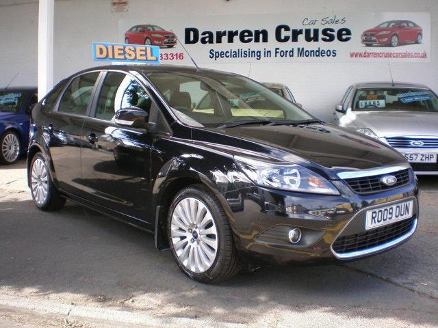 used ford focus 2009 diesel 1 6 tdci titanium 5dr hatchback black for sale in gravesend uk. Black Bedroom Furniture Sets. Home Design Ideas