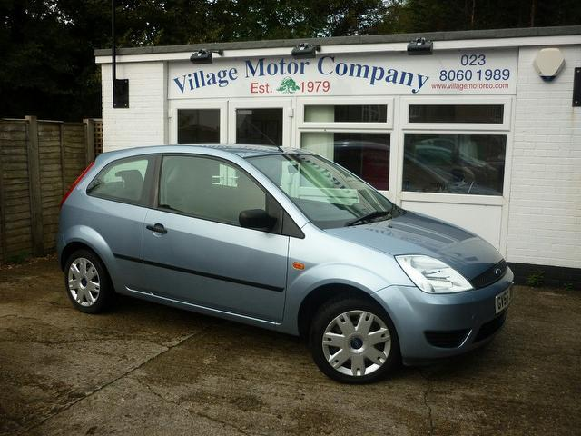 used ford fiesta 2005 blue colour diesel 1 4 tdci style 3 door hatchback for sale in southampton. Black Bedroom Furniture Sets. Home Design Ideas