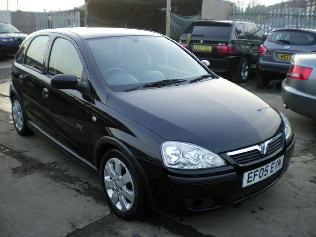 used vauxhall corsa 2005 model 16v sxi 5dr petrol hatchback black for sale in wembley uk. Black Bedroom Furniture Sets. Home Design Ideas