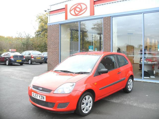 used red ford fiesta 2007 petrol 1 25 style 3dr hatchback excellent rh autopazar co uk Ford Focus Manual Ford Truck Manuals