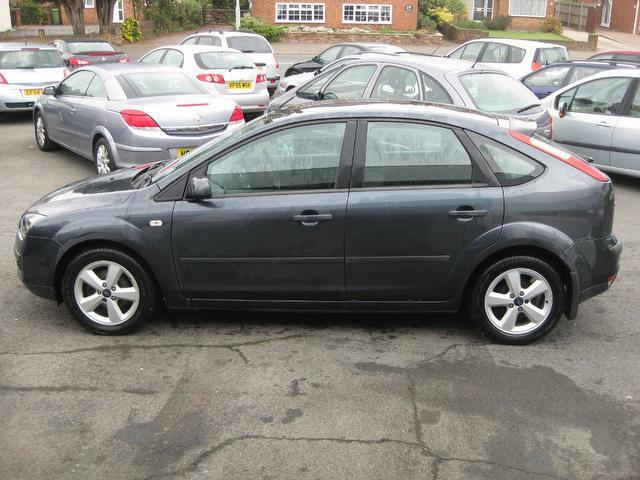 used grey ford focus 2006 diesel 1 6 tdci zetec 5dr hatchback excellent condition for sale. Black Bedroom Furniture Sets. Home Design Ideas
