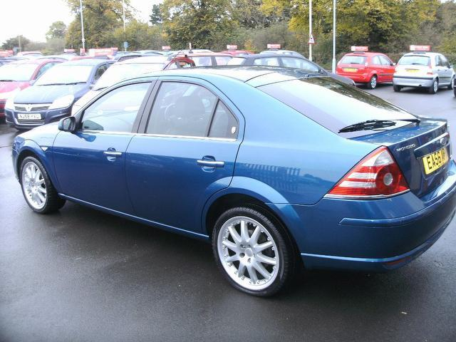 used ford mondeo 2006 blue colour diesel 130 ghia. Black Bedroom Furniture Sets. Home Design Ideas