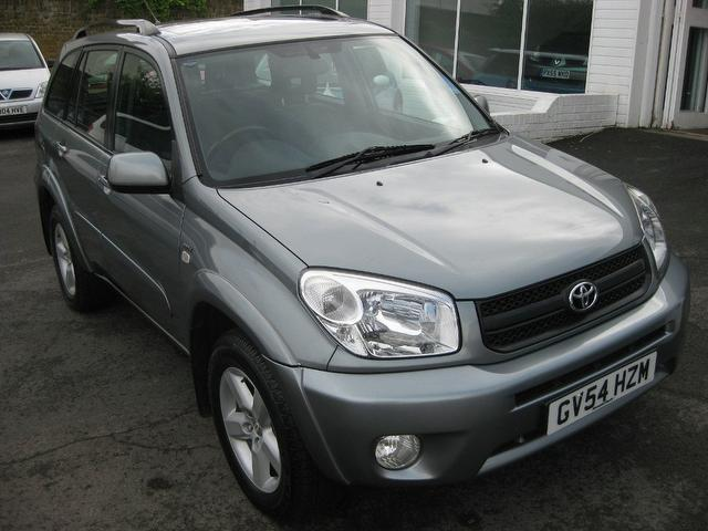 used toyota rav4 for sale in 4x4 uk autopazar. Black Bedroom Furniture Sets. Home Design Ideas
