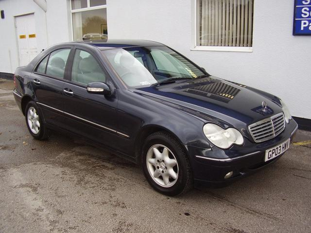 Used 2003 mercedes benz saloon class c220 cdi elegance for Used mercedes benz diesel for sale