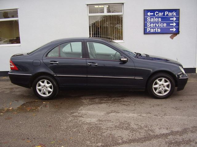 Used 2003 mercedes benz saloon class c220 cdi elegance for Mercedes benz c220 cdi for sale