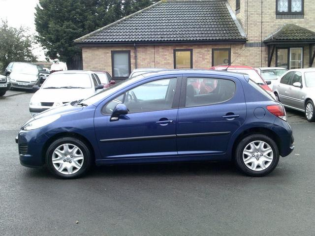 used peugeot 207 2009 diesel 1 4 hdi s 5dr hatchback blue. Black Bedroom Furniture Sets. Home Design Ideas