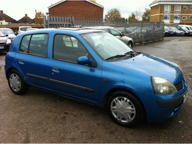 used renault clio 2001 model 1 2 16v expression petrol hatchback blue for sale in ashford uk. Black Bedroom Furniture Sets. Home Design Ideas