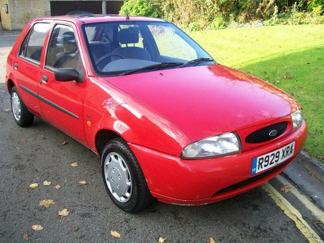 used ford fiesta car 2001 red petrol lx 16v 5 door hatchback for sale in keynsham uk. Black Bedroom Furniture Sets. Home Design Ideas