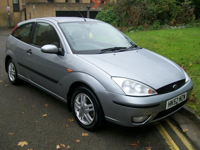 used ford focus 2002 automatic petrol 1 6 zetec 3 door auto silver for sale uk autopazar. Black Bedroom Furniture Sets. Home Design Ideas