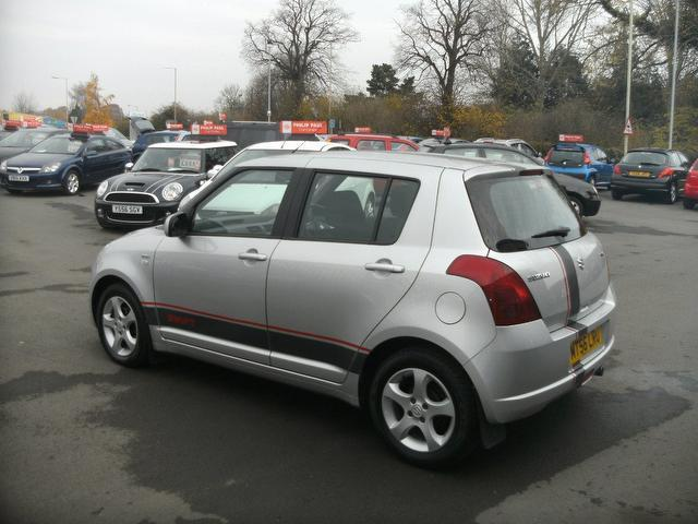 used suzuki swift 2006 model 1 3 ddis 5dr diesel hatchback silver for sale in oswestry uk. Black Bedroom Furniture Sets. Home Design Ideas