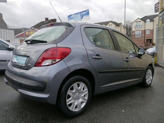 used peugeot 207 car 2009 grey diesel 1 4 hdi s 5 door hatchback for sale in wakefield uk. Black Bedroom Furniture Sets. Home Design Ideas