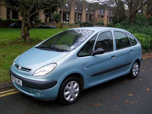 used 2002 citroen xsara estate blue edition picasso 2 0 hdi sx diesel for sale in keynsham uk. Black Bedroom Furniture Sets. Home Design Ideas