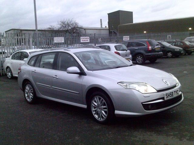 used renault laguna 2009 silver colour diesel 2 0 dci 150 initiale estate for sale in fengate uk. Black Bedroom Furniture Sets. Home Design Ideas