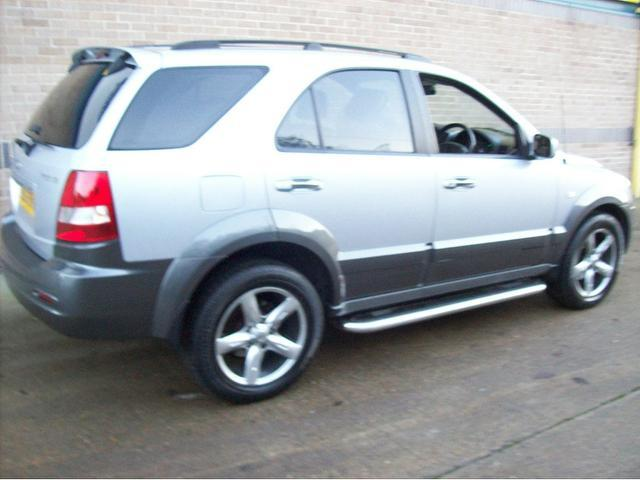 used kia sorento 2005 diesel 2 5 crdi xt 5dr 4x4 silver. Black Bedroom Furniture Sets. Home Design Ideas