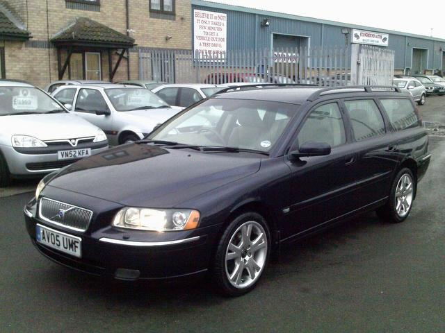 used volvo v70 2005 automatic diesel 2 4 d5 se 5 door blue. Black Bedroom Furniture Sets. Home Design Ideas