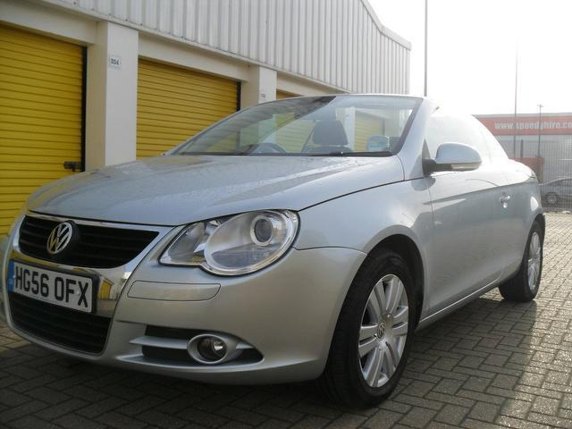 used volkswagen eos car 2006 silver petrol 2 0 fsi 2 door convertible for sale in portsmouth uk. Black Bedroom Furniture Sets. Home Design Ideas