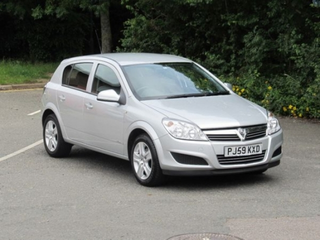 used vauxhall astra 2009 petrol silver with for sale. Black Bedroom Furniture Sets. Home Design Ideas